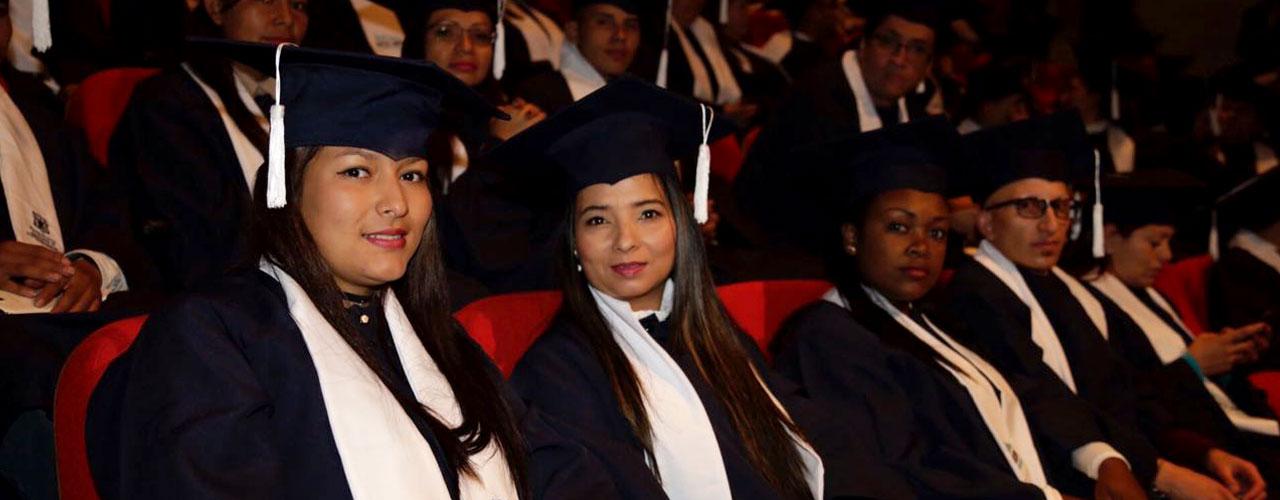 Instituto-Para-la-Economia-Social-gradua-115-vendedores-informales-en-diferentes-artea-2