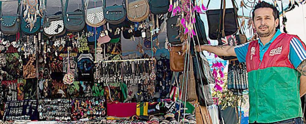 Alcaldía Mayor organiza feria de Amor y Amistad para vendedores informales