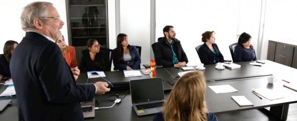 Expertos delegados de la Unión Europea visitan las plazas distritales de mercado para brindar asistencia técnica