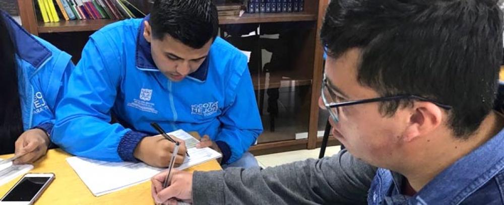 Rueda de empleo y cursos de formación para vendedores informales de la localidad La Candelaria