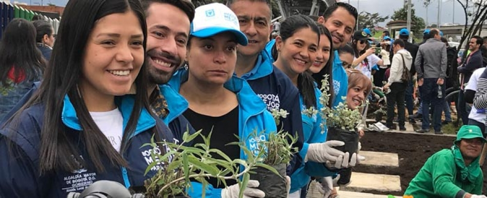 Alcaldía de Bogotá y empresas privadas trabajan por la economía informal