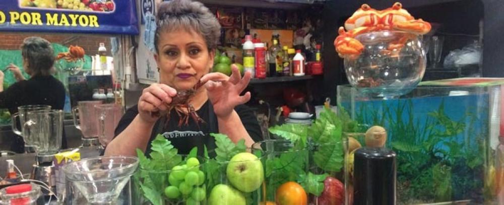 Conozca y disfrute de la frutoterapia y los jugos afrodisíacos de la plaza de mercado 7 de Agosto