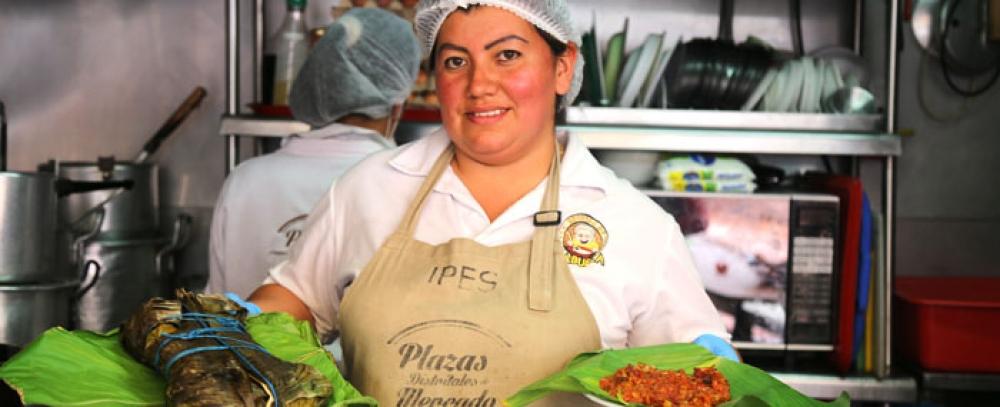 """La chef de la plaza La Concordia finalista en concurso: """"Cocina colombiana envuelta en hojas"""""""
