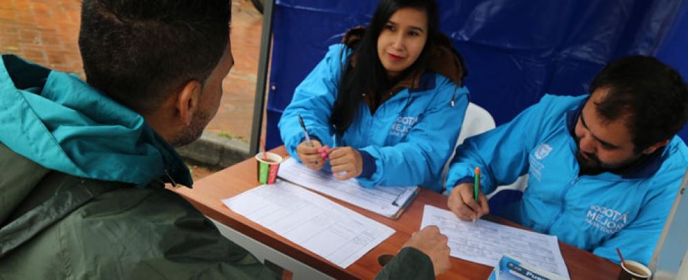 Distrito realiza la III Feria del Empleo para vendedores informales de TransMilenio