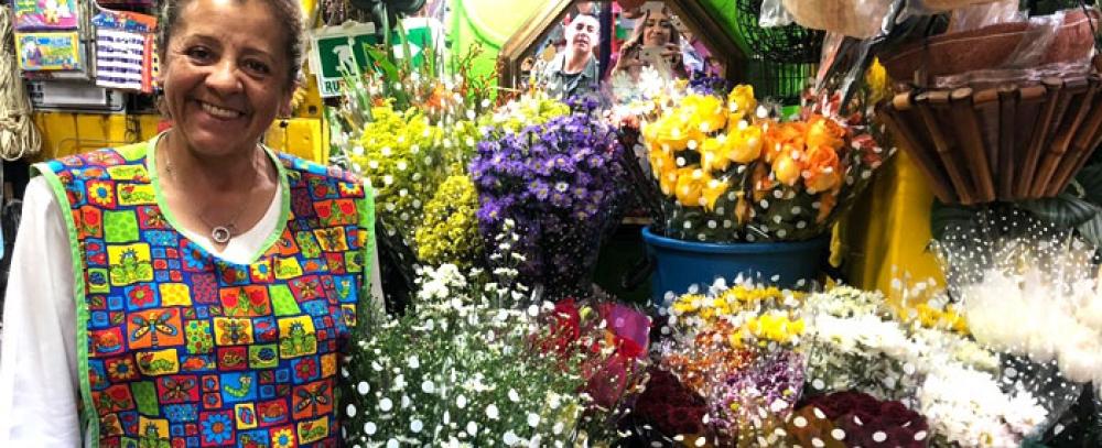 En San Valentín, regale flores de las Plazas Distritales de Mercado