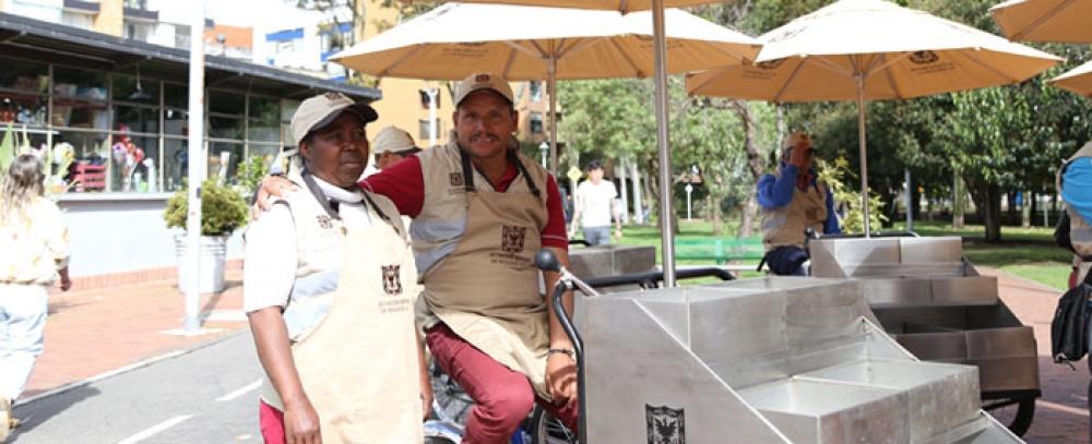 Alcalda-de-Bogot-entrega-nuevas-alternativas-a-vendedores-informales