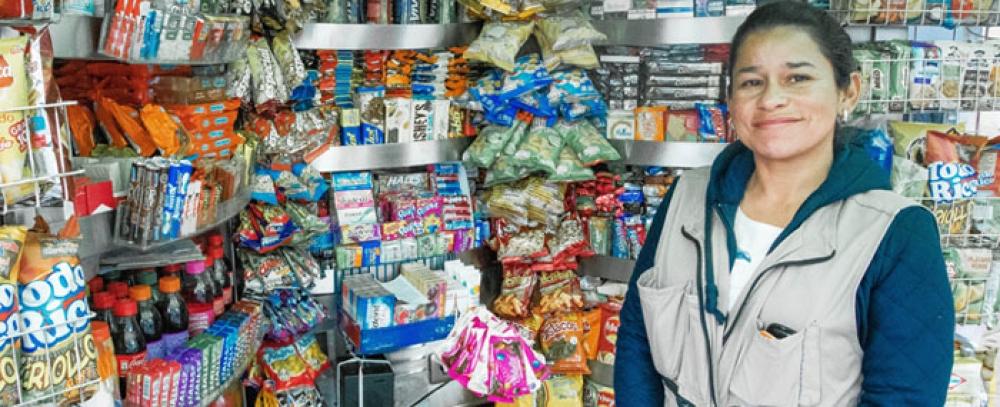 La Alcaldía de Bogotá oferta alternativas institucionales a vendedores informales