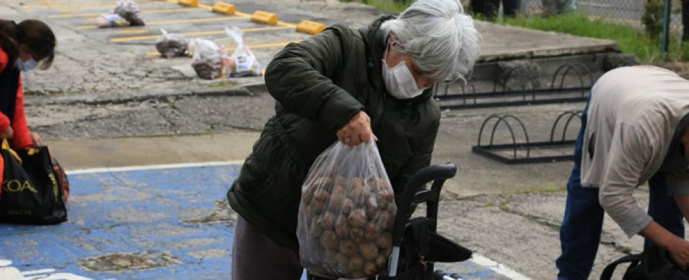 IPES y Minuto de Dios brindan apoyo a vendedores informales en con discapacidad y adultos mayores