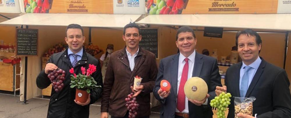 Concejales de Bogotá disfrutan de la gastronomía de las plazas distritales de mercado