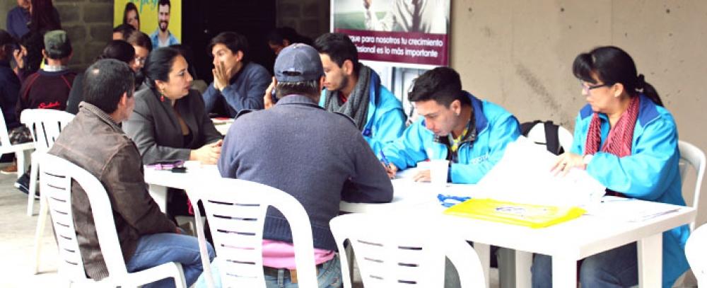 La Alcaldía oferta 150 vacantes de empleo para vendedores de la economía informal