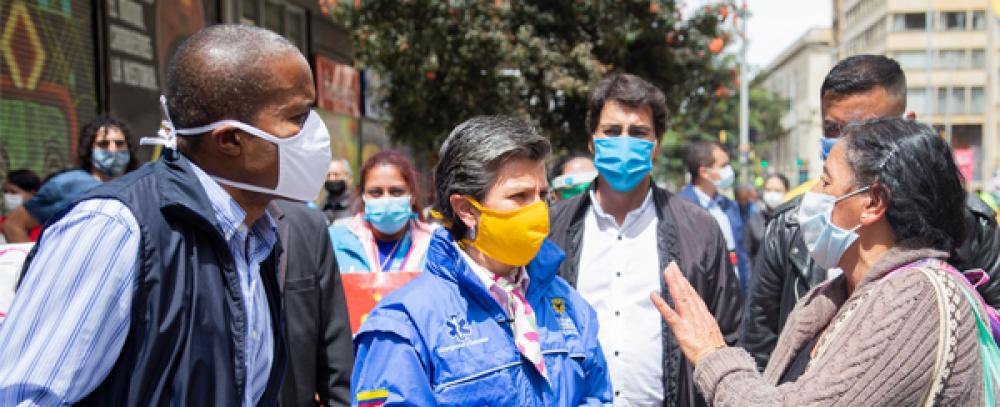 Distrito socializa medidas sanitarias con vendedores informales de la Carrera Séptima