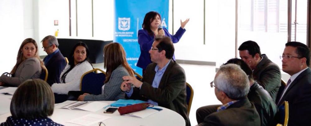 Mesa de trabajo entre el Instituto para la Economía Social IPES, Secretaría de Gobierno y alcaldes locales