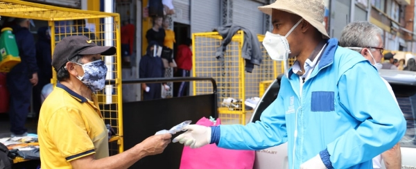 Pico y Puesto para vendedores informales de San Victorino durante el 'Trasnochón'