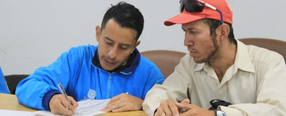 Rueda de empleo para vendedores informales en la Alcaldía Local de Chapinero