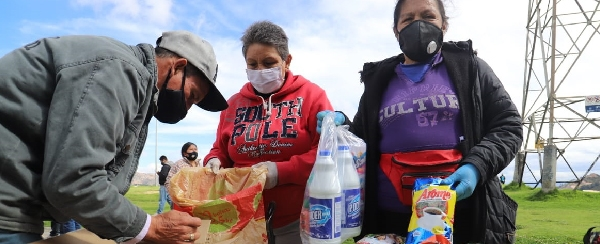 800 Vendores informales de la localidad de Usme fueron beneficiados con mercados y kits de aseo
